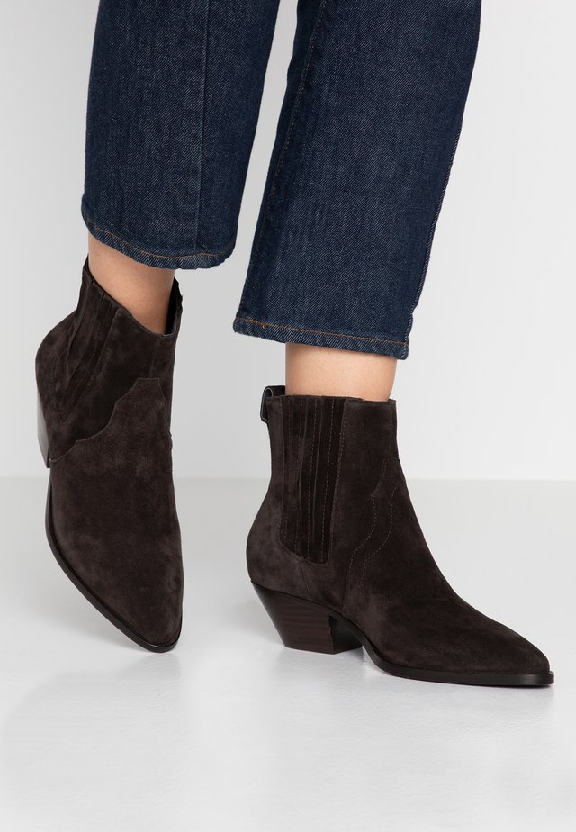 FUTURE - Cowboy/biker ankle boot - africa