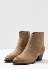 Ash - Classic ankle boots - tan - 4