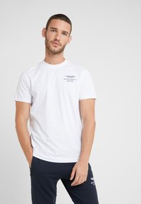 Hackett Aston Martin Racing - LOGO TEE - T-shirt - bas - white - 0