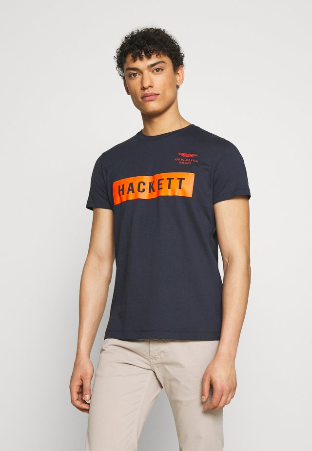 AMR HACKETT TEE - T-shirt con stampa - navy
