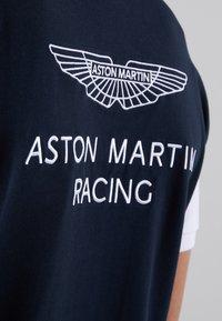 Hackett Aston Martin Racing - WINGS - Polo shirt - navy/white - 3