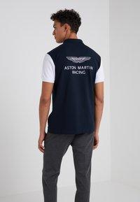 Hackett Aston Martin Racing - WINGS - Polo shirt - navy/white - 2