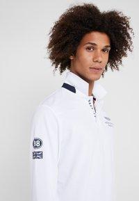 Hackett Aston Martin Racing - Poloshirts - white - 3