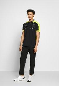 Hackett Aston Martin Racing - Koszulka polo - black/multi - 1