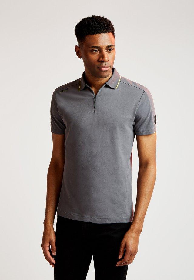 AMR PRO - Polo shirt - iron grey