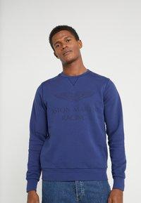Hackett Aston Martin Racing - Sweatshirt - blue - 0