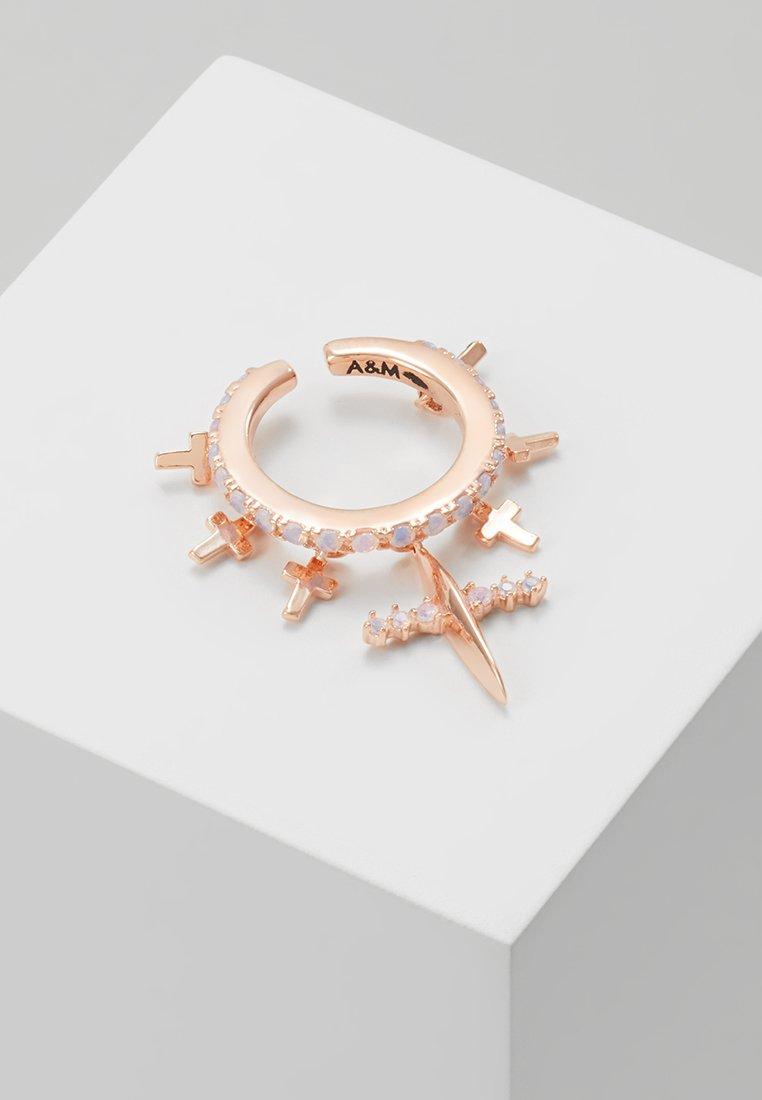 Astrid & Miyu - MYSTIC CROSS EAR CUFF - Ohrringe - rose gold-coloured