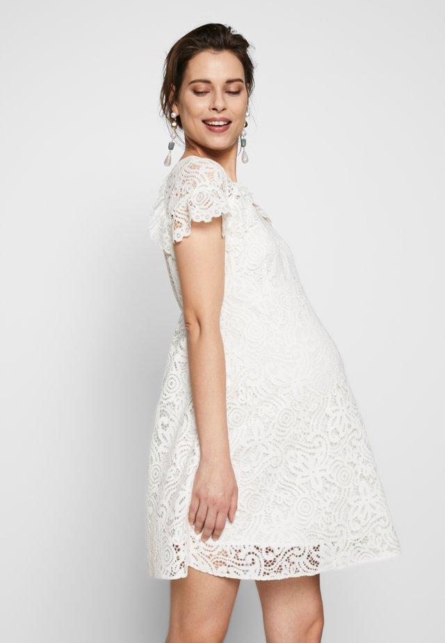 PIZZO - Korte jurk - white