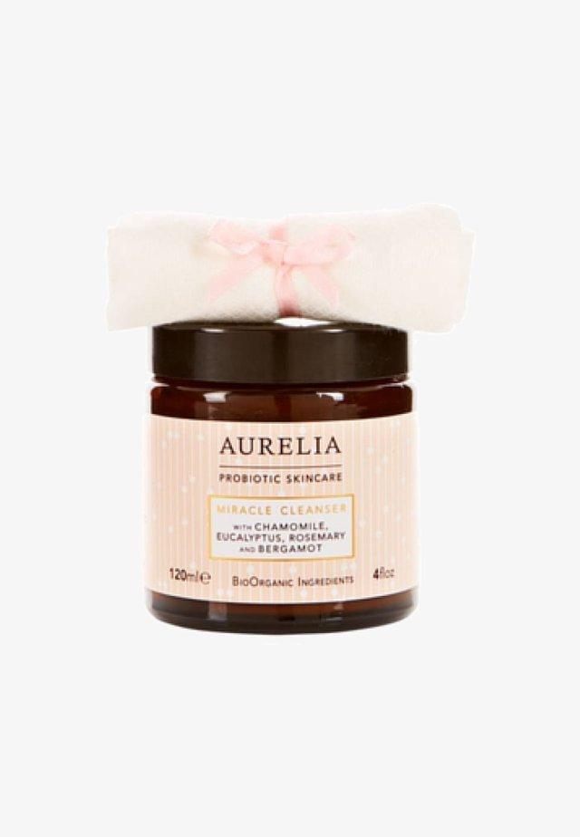 AURELIA PROBIOTIC SKINCARE AURELIA MIRACLE CLEANSER - Face scrub - white