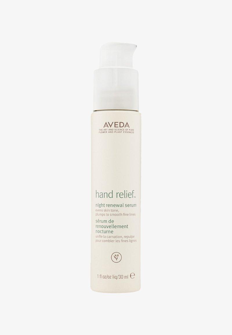 Aveda - HAND RELIEF™ NIGHT RENEWAL SERUM - Masque mains - -