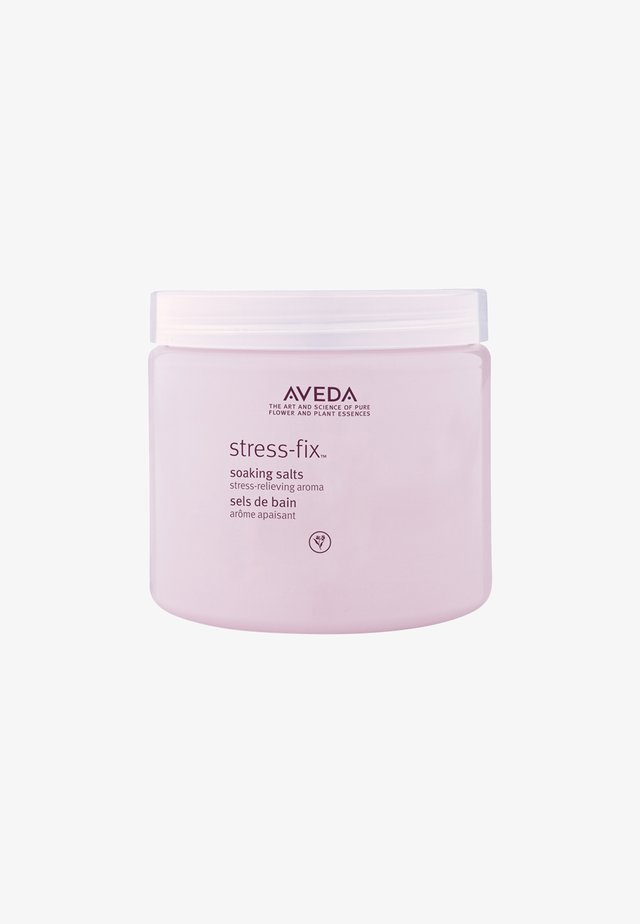 STRESS-FIX™ SOAKING SALTS - Kosmetyki do kąpieli - -