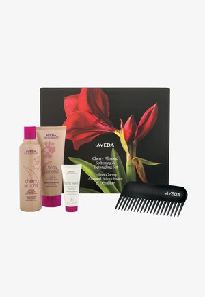 CHERRY ALMOND SOFTENING & DETANGLING SET - Hårsæt - -