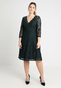 Anna Field Curvy - Koktejlové šaty/ šaty na párty - scarab - 0