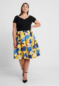 Anna Field Curvy - Sukienka z dżerseju - blue/yellow - 0