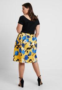 Anna Field Curvy - Sukienka z dżerseju - blue/yellow - 2