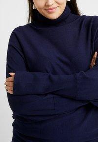 Anna Field Curvy - ROLL NECK BAT SHAPE DRESS - Neulemekko - dark blue - 6