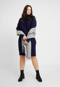 Anna Field Curvy - ROLL NECK BAT SHAPE DRESS - Neulemekko - dark blue - 2
