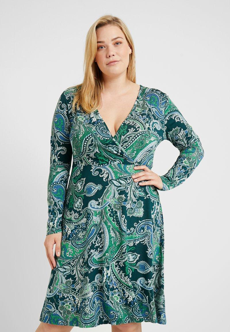 Anna Field Curvy - Žerzejové šaty - white/dark green