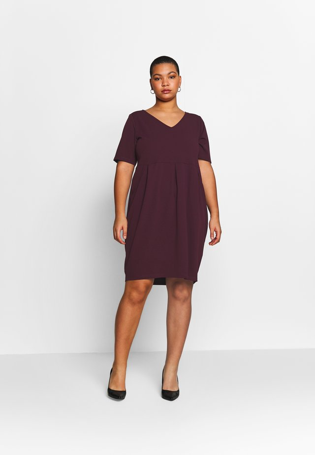 BASIC JERSEY DRESS - Jerseyklänning - winetasting