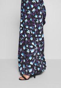 Anna Field Curvy - Maxi šaty - black/blue/white - 3