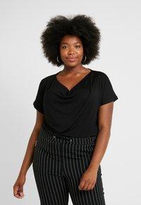 Anna Field Curvy - 2 PACK - T-shirt basique - black/dark blue - 0