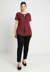 Anna Field Curvy - Slim fit jeans - black - 1