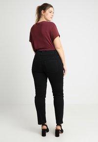 Anna Field Curvy - Slim fit jeans - black - 2