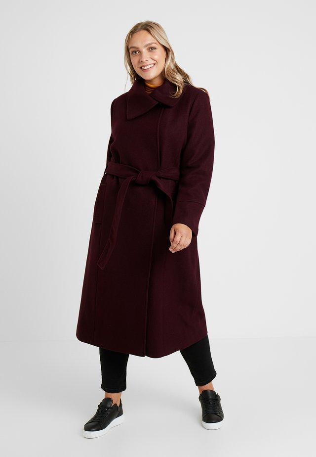 Płaszcz wełniany /Płaszcz klasyczny - winetasting