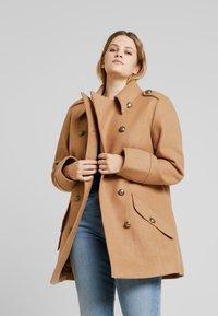Anna Field Curvy - Short coat - camel - 0