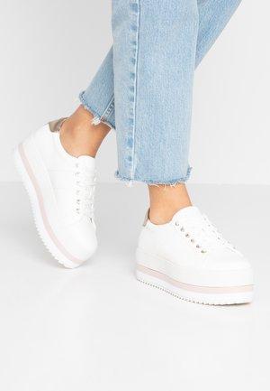 AILACLYA VEGAN - Sneakersy niskie - white