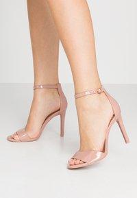 Call it Spring - DELLMAR VEGAN - Sandály na vysokém podpatku - light brown - 0