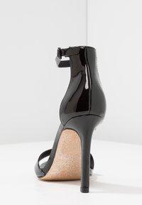 Call it Spring - DELLMAR VEGAN - Sandály na vysokém podpatku - black - 5