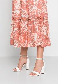 Call it Spring - TAYVIA  - Sandaler med høye hæler - white - 0