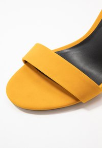 Call it Spring - TAYVIA  - Sandaler med høye hæler - dark yellow - 2