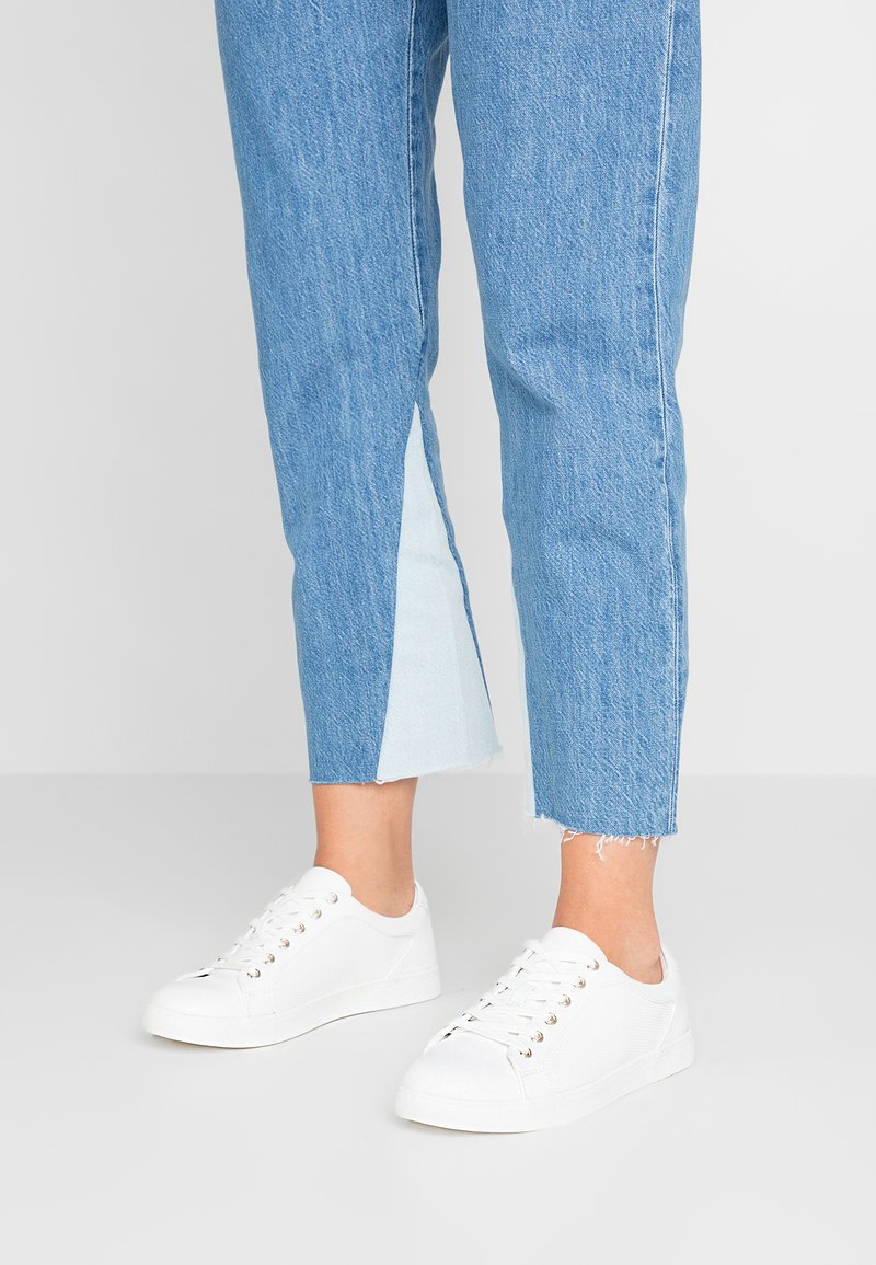 Call it Spring - STEWY VEGAN - Sneakersy niskie - white