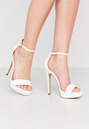 WESTKAAP - Korolliset sandaalit - white