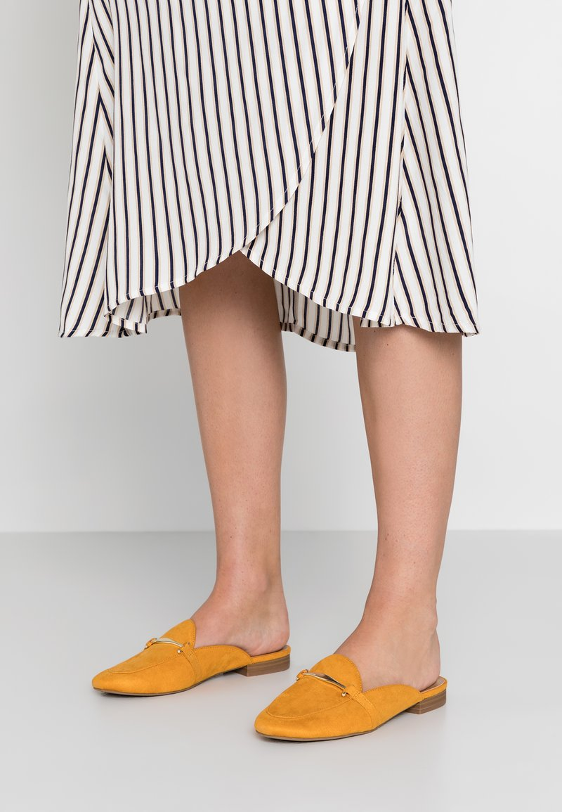 Call it Spring - TRIRESA - Mules - dark yellow