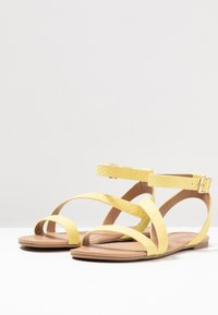 Call it Spring - MADONA - Sandals - light yellow - 4
