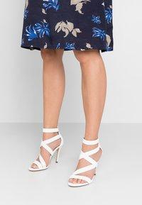Call it Spring - KURISCHE - Sandály na vysokém podpatku - white - 0
