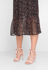 Call it Spring - ISSEY - Sandales à talons hauts - light pink - 0