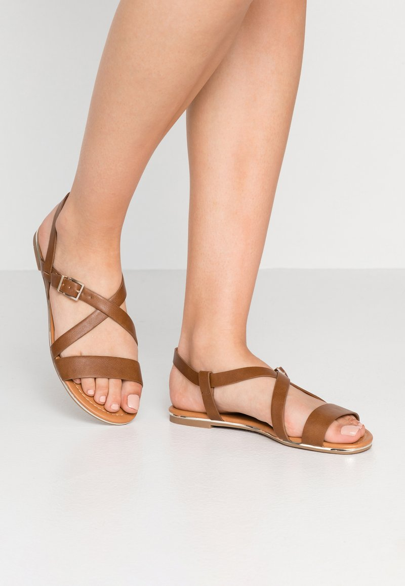 Call it Spring - CHORISIA VEGAN - Sandalias - cognac