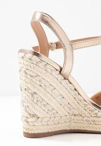 Call it Spring - ALEXEY VEGAN - Sandály na vysokém podpatku - champagne - 2