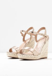 Call it Spring - ALEXEY VEGAN - Sandály na vysokém podpatku - champagne - 4