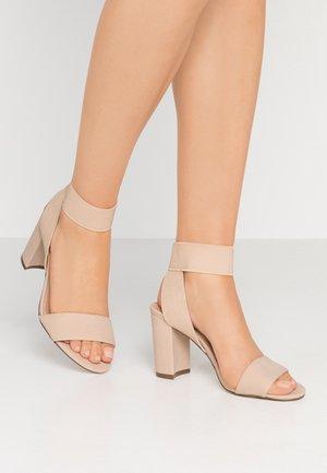 LUGUBROSA VEGAN - Sandály na vysokém podpatku - bone