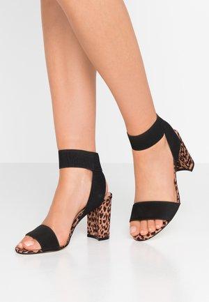 LUGUBROSA VEGAN - Korolliset sandaalit - brown/multicolor