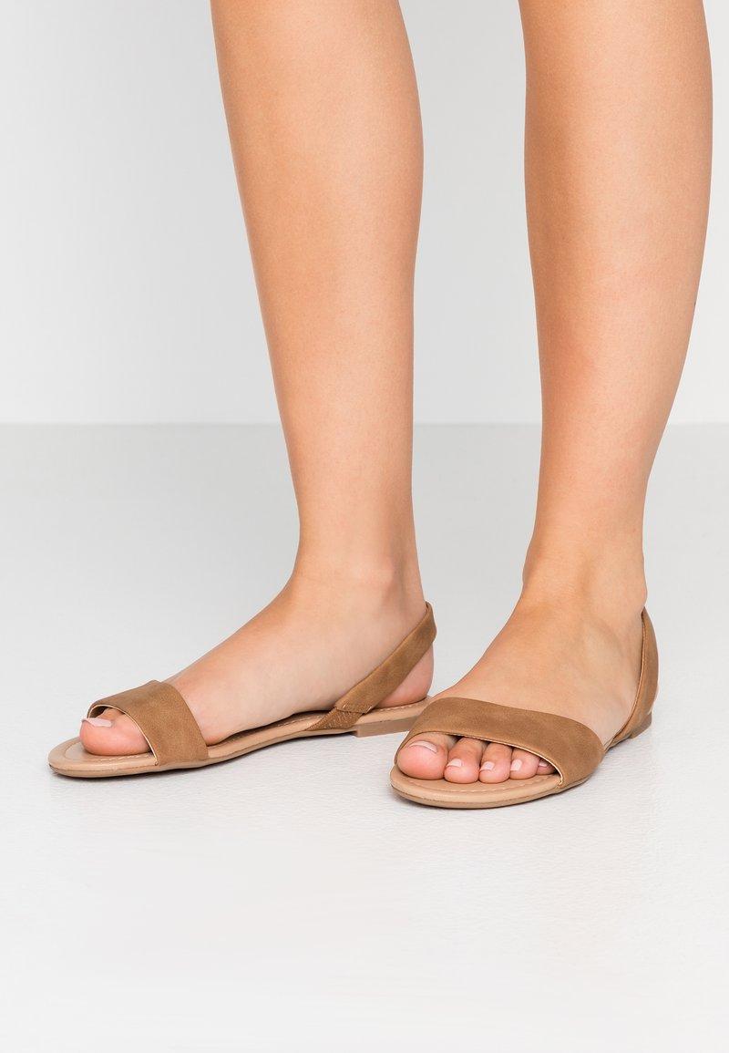 Call it Spring - WALIWETH VEGAN - Sandaler - beige