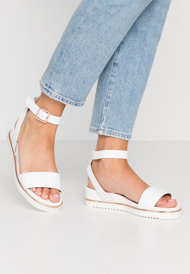 Call it Spring - FLUORN VEGAN - Platform sandals - white
