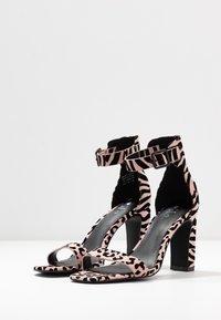 Call it Spring - ALEXISS - Korolliset sandaalit - light pink - 4