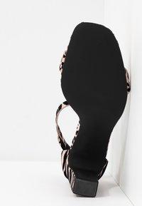 Call it Spring - ALEXISS - Korolliset sandaalit - light pink - 6