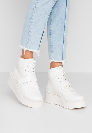 ROLLERBABES - Sneakers high - white
